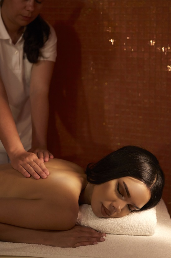 White special massage therapy 75min full body